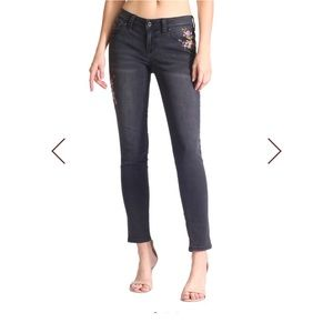 GRACE In LA Gorgeous Embroidered Black Jeans 27
